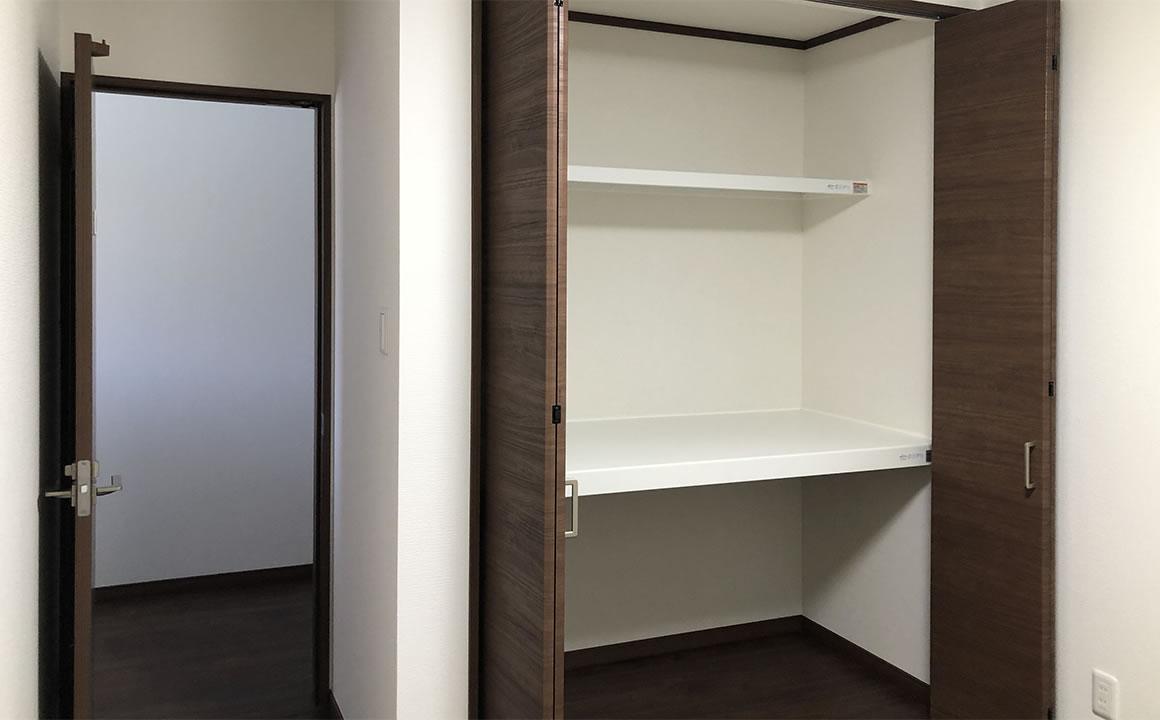 個室クローゼット2